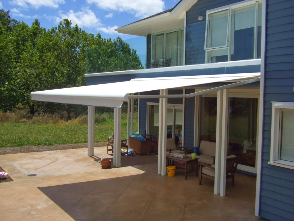 Felica Retractable Awning