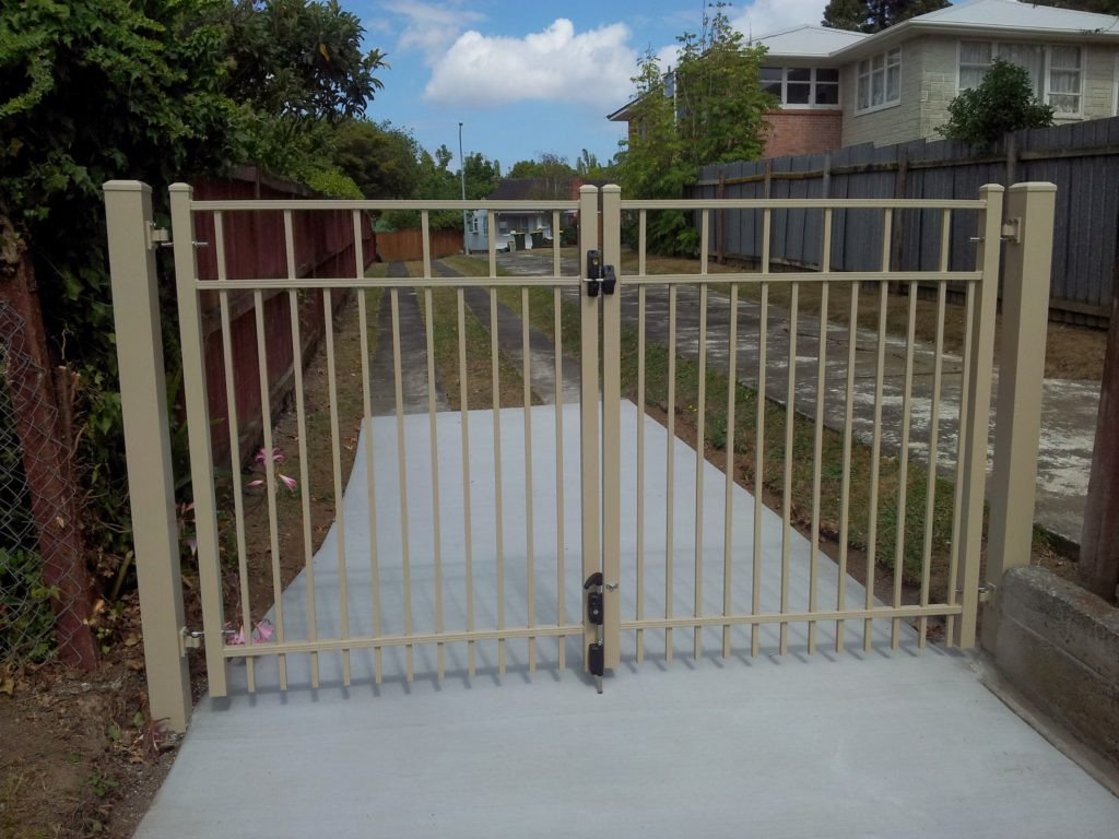 Advante Series Double Hinged Driveway Gate