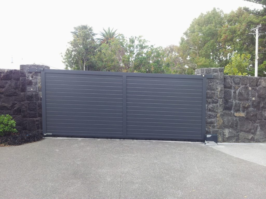 Architectural Series T&G Automatic Driveway Gate