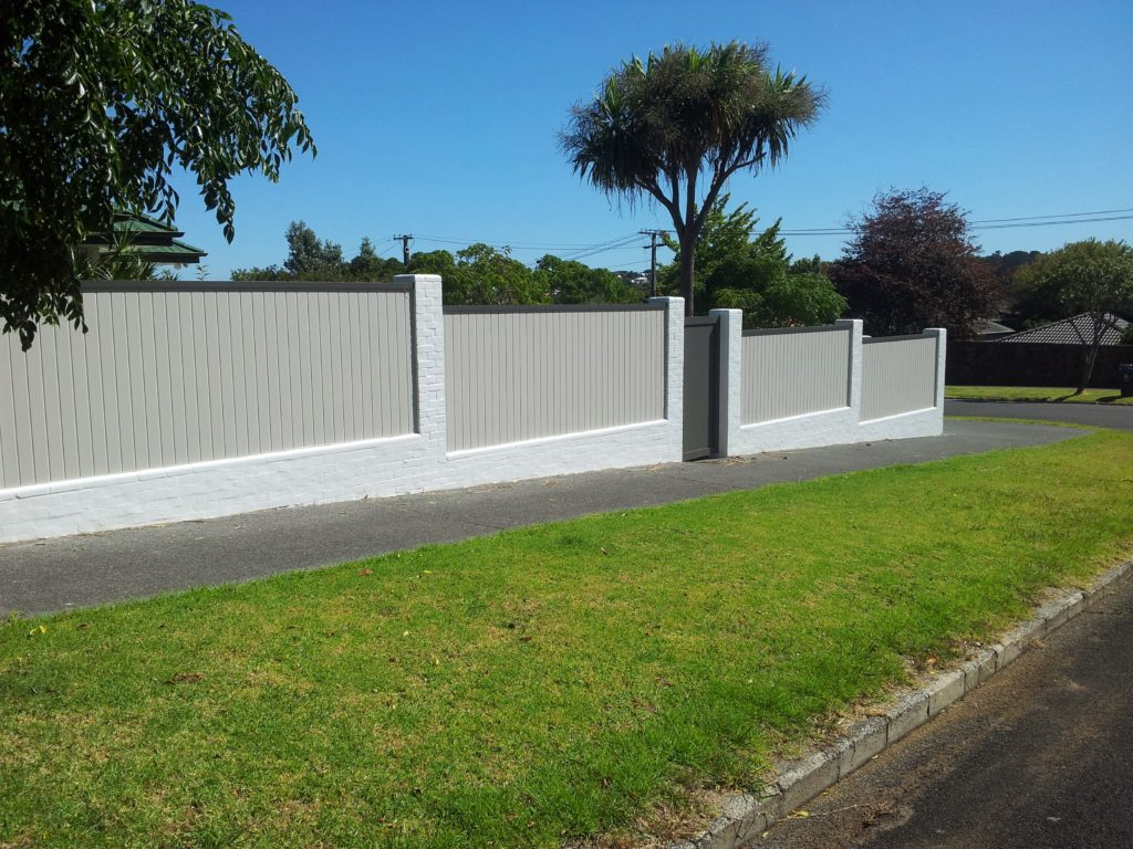Architectural Series T&G Fence in two colours