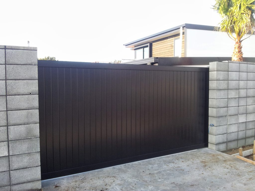 Architectural Series Vertical T&G Driveway Gate