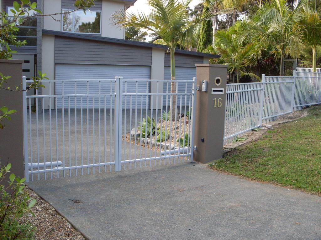 Contemporary fence with Advante Gates