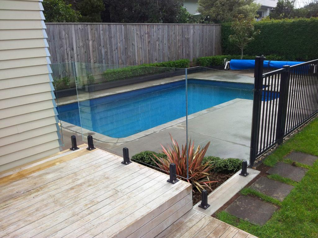 Edgetec Mini Post Frameless Glass & Sanctuary Aluminium Pool Fencing
